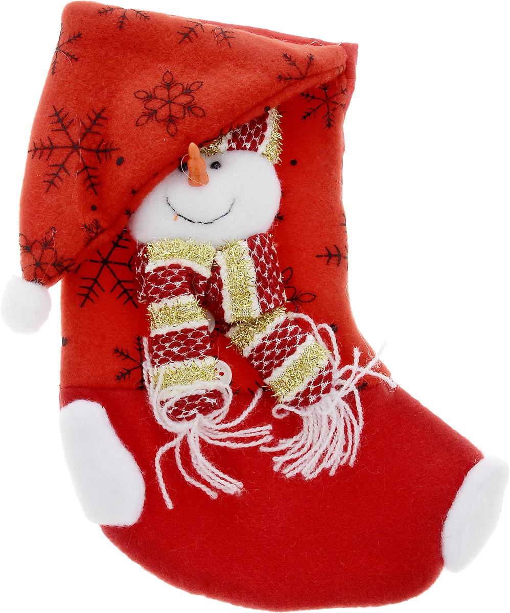 Мешок для подарков Феникс-Презент Носок. Снеговик, 20 x 11 см42514Новогодний мешочек Феникс-Презент Носок. Снеговик, выполненный из полиэстера, декорирован аппликацией снеговика. Этот праздничный аксессуар предназначен специально для новогодних и рождественских подарков. С помощью петельки его можно подвесить в любое понравившееся место.Традиция класть подарки в новогодние чулки (в Европе эти же чулки называются рождественскими) появилась в нашей стране относительно недавно, но уже пользуется популярностью. Чулки, как и другие новогодние украшения, создают в доме атмосферу тепла и уюта, сближая всю семью. Особенно эта традиция приводит в восторг детей. Да и взрослому будет не менее интересно получить подарок в такой оригинальной упаковке.