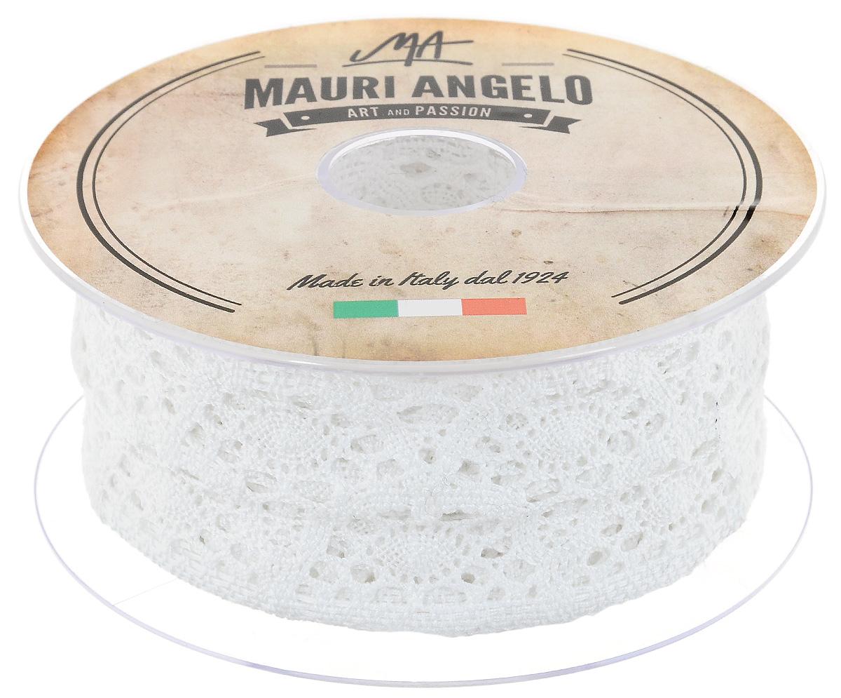 Лента кружевная Mauri Angelo, цвет: белый, 5 см х 10 м. MR4251MR4251Декоративная кружевная лента Mauri Angelo выполнена из высококачественного хлопка. Кружево применяется для отделки одежды, постельного белья, а также в оформлении интерьера, декоративных панно, скатертей, тюлей, покрывал. Главные особенности кружева - воздушность, тонкость, эластичность, узорность.Такая лента станет незаменимым элементом в создании рукотворного шедевра.