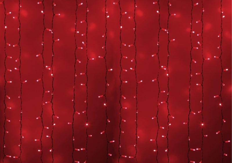 Гирлянда Neon-Night Светодиодный Дождь, постоянное свечение, цвет: белый, красный, 2 х 3 м235-132Гирлянда Светодиодный Дождь представляет собой гибкий горизонтальный шнур-шину (2м), к которому через определенные промежутки крепятся вертикальные нити (20 шт.) со светодиодными лампами, которые отличаются от «Бахромы» тем, что имеют одинаковую, достаточно значительную длину, часто превышающую протяженность шины. На концах каждой шины есть разъем и штепсель, которые предназначены для последовательного соединения нескольких световых дождей в большой занавес ПЛЕЙ-ЛАЙТ. Используя занавес, можно не только создавать красивые световые занавесы или оформлять различные плоскости, например, фасады домов, окна и т.д., но и украшать объемные объекты. Гирлянду, работающую в непрерывном свечении, называют фиксинг, а использующую режим светодинамики – чейзинг. Светодинамические эффекты становятся доступными только при подключении гирлянды к сети через специальный контроллер.Сегодня в гирляндах источником света служат светодиоды, которые пришли на смену применявшимся ранее лампам накаливания. С полупроводниковыми источниками гирлянда стала более надежной, потребляет меньше энергии, обрела более насыщенное сияние. Данная гирлянда имеет красный цвет свечения светодиодов.