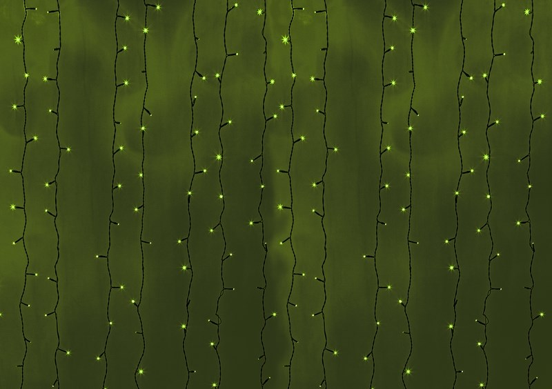 Гирлянда Neon-Night Светодиодный Дождь, постоянное свечение, цвет: черный, зеленый, 2 х 6 м190110Гирлянда Светодиодный Дождь представляет собой гибкий горизонтальный шнур-шину (2м), к которому через определенные промежутки крепятся вертикальные нити (20 шт.) со светодиодными лампами, которые отличаются от «Бахромы» тем, что имеют одинаковую, достаточно значительную длину, часто превышающую протяженность шины. На концах каждой шины есть разъем и штепсель, которые предназначены для последовательного соединения нескольких световых дождей в большой занавес ПЛЕЙ-ЛАЙТ. Используя занавес, можно не только создавать красивые световые занавесы или оформлять различные плоскости, например, фасады домов, окна и т.д., но и украшать объемные объекты.Гирлянду, работающую в непрерывном свечении, называют фиксинг, а использующую режим светодинамики – чейзинг. Светодинамические эффекты становятся доступными только при подключении гирлянды к сети через специальный контроллер. Сегодня в гирляндах источником света служат светодиоды, которые пришли на смену применявшимся ранее лампам накаливания. С полупроводниковыми источниками гирлянда стала более надежной, потребляет меньше энергии, обрела более насыщенное сияние.Данная гирлянда имеет зеленый цвет свечения светодиодов.