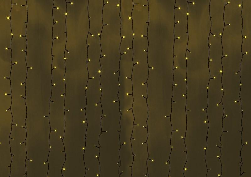 Гирлянда Neon-Night Светодиодный Дождь, постоянное свечение, цвет: черный, желтый, 2 х 9 м235-181Гирлянда Светодиодный Дождь представляет собой гибкий горизонтальный шнур-шину (2м), к которому через определенные промежутки крепятся вертикальные нити (20 шт.) со светодиодными лампами, которые отличаются от «Бахромы» тем, что имеют одинаковую, достаточно значительную длину, часто превышающую протяженность шины. На концах каждой шины есть разъем и штепсель, которые предназначены для последовательного соединения нескольких световых дождей в большой занавес ПЛЕЙ-ЛАЙТ. Используя занавес, можно не только создавать красивые световые занавесы или оформлять различные плоскости, например, фасады домов, окна и т.д., но и украшать объемные объекты. Гирлянду, работающую в непрерывном свечении, называют фиксинг, а использующую режим светодинамики – чейзинг. Светодинамические эффекты становятся доступными только при подключении гирлянды к сети через специальный контроллер.Сегодня в гирляндах источником света служат светодиоды, которые пришли на смену применявшимся ранее лампам накаливания. С полупроводниковыми источниками гирлянда стала более надежной, потребляет меньше энергии, обрела более насыщенное сияние. Данная гирлянда имеет желтый белый цвет свечения светодиодов.