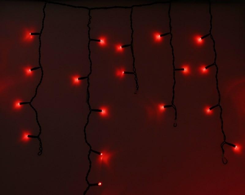 Гирлянда Neon-Nigh Айсикл, светодиодная бахрома, цвет: черный, красный, 4,8 х 0,6 м255-132Гирлянда Айсикл плей-лайт - это световой дождь с нитями разной длины. Она имитирует сосульки и может послужить эффектным и оригинальным решением при декорировании карнизов домов, оконных проемов, арок и других элементов как фасадов здания, так и интерьеров внуренних помещений. Благодаря использованию в гирлянде светодиодов ее отличительной особенностью является изрядная яркость и низкое энергопотребление. Цвет свечения красный. Цвет провода темно-зеленый. Степень влагозащиты позволяет использование на улице. При длине 4,8 метра гибкая направляющая имеет 48 нитей длиной от 20 до 60 см.