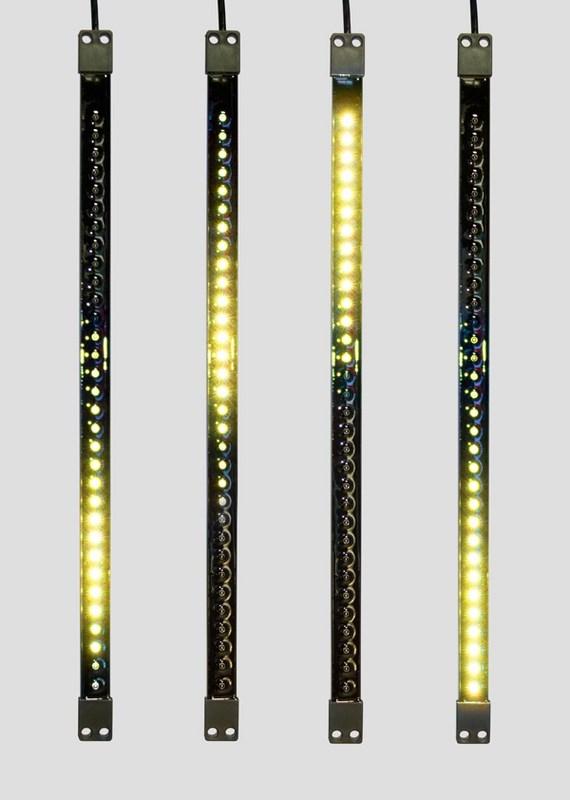 Гирлянда Neon-Night Сосулька, светодиодная, двухсторонняя, 32х2 LED, цвет: черный, желтый, 50 см256-122«Светодиодная сосулька» - это оригинальное, красивое и современное средство оформления фасадов и интерьеров зданий, деревьев, витрин и т.д. Она представляет собой прямоугольную трубку длиной 50 см в пластиковом корпусе чёрного цвета. Внутри надежно закреплена двусторонняя тонкая плата со светодиодами и микрочипом, обеспечивающим динамику с эффектом стекающей капли. Гирлянда работает от напряжения 9,5 V и имеет влагозащищённое исполнение, что позволяет безопасно использовать её как в помещении, так и на улице. «Светодиодные сосульки» соединяются в единую цепь с помощью комплектов для подключения - арт. 256-152 (4 шт.) или 256-153 (5 шт) и затем подключаются к бытовой сети через понижающий трансформатор - арт. 256-154. Вы самостоятельно сможете создать красивую световую композицию, соединив между собой несколько таких комплектов. Как и другие светодиодные изделия, «Тающие сосульки» отличаются большим сроком службы (не менее 50000 часов при правильной эксплуатации) и очень низким энергопотреблением. Дополнительным преимуществом наших «Светодиодных сосулек» является то, что при их изготовлении испрользуются японские светодиоды Nichia. Цвет светодиодов - зелёный. Гирлянда представлена в нескольких цветах.