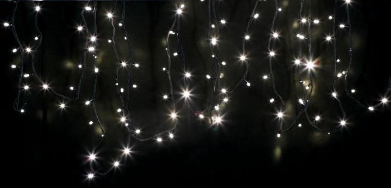 Гирлянда модульная Neon-Night Дюраплей, светодиодная, 200 LED, цвет: черный, теплый белый, 20 м315-116Светодиодная гирлянду «Дюраплей Led» изготавливают в виде эластичного кабеля со встроенными светодиодами с шагом ламп 10 см. Предусмотрена возможность последовательного подключения. гирлянд. Максимальная длина гирлянды может достигать 200 м! Максимальное количество гирлянд подключаемых в одну цепь - 15.Эта ударопрочная и влагостойкая конструкция идеально подходит для применения на наружных объектах. Высокая степень современной влагозащиты дает возможность для использования гирлянды в сложных климатических условиях. Она нашла широкое применение при подсветке фасадов зданий, новогодних елок, ограждений, мостов, деревьев, арок, магазинов. Великолепно подходит для красочного оформления витрин.Отличительными чертами «Дюраплей Led» стали повышенная яркость излучаемого света, низкое энергопотребление и непревзойденная надежность.
