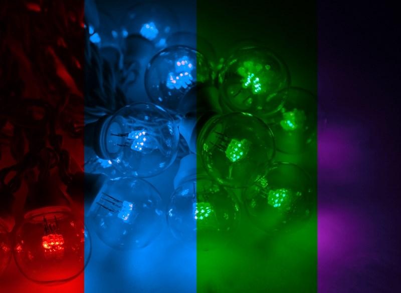Гирлянда Neon-Night Galaxy Bulb String, светодиодная, влагостойкая, 30 ламп х 6 LED, каучуковый провод, цвет: белый, мульти, 10 м237-145Специально подготовленный комплект 10м гирлянды Belt Light с уже установленными светодиодными лампами. Теперь Вам не потребуется много времени на подготовку, разрезание единой гирлянды Belt Light, подключение каждого куска в отдельности и вкручивание ламп в каждый патрон, потому что специально для Вас мы сформировали 10-ти метровые комплекты с подключенным 1,5м проводом питания с вилкой, которые останется только повесить и включить в сеть 220В. Шаг ламп 40 см.