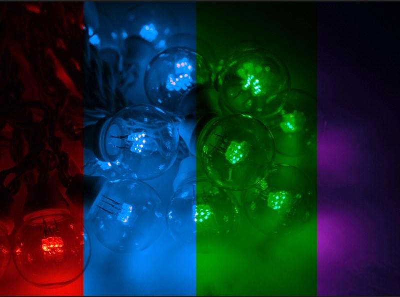 Гирлянда Neon-Night Galaxy Bulb String, светодиодная, влагостойкая, 30 ламп х 6 LED, каучуковый провод, цвет: черный, мульти, 10 м331-329Гирлянда LED Galaxy Bulb String внешне схожа с гирляндой Belt-light. Отличается она тем, что уже готова к использованию, на шине через каждые 33 см уже смонтированы прозрачные лампочки диаметром 45 мм, в каждой из которой есть 6 диодов. Благодаря своей степени защиты гирлянда может быть использована как в помещении, так и на улице, даже в сильный мороз.Данная гирлянда имеет длину 10 м, на которой равномено расположено 30 разноцветных светодиодных лампочек.