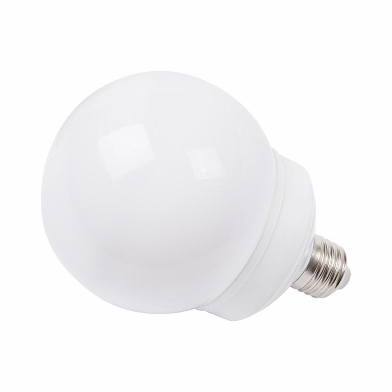 Лампа шар Neon-Night, светодиодная, 12 LED, цоколь Е27, цвет: белый, диаметр 100 мм405-135Декоративные светодиодные лампы используются с гирляндой Belt Light и служат для украшения улиц, фасадов зданий и интерьеров. Колба лампы имеет форму шара диаметром 100 мм, что позволяет увеличить площадь свечения и насыщенность светом окружающего пространства. Она выполнена из ударопрочного поликарбоната, окрашенного в цвет свечения лампы. Декоративная лампа имеет стандартный цоколь Е27, при помощи которого установка является весьма простой процедурой не занимающей много времени. Суммарная мощность светодиодов составляет всего 2Вт, что позволяет снизить затраты на электроэнергию и подключить гирлянду большей длины. Данная лампа представлена в белом цвете свечения.