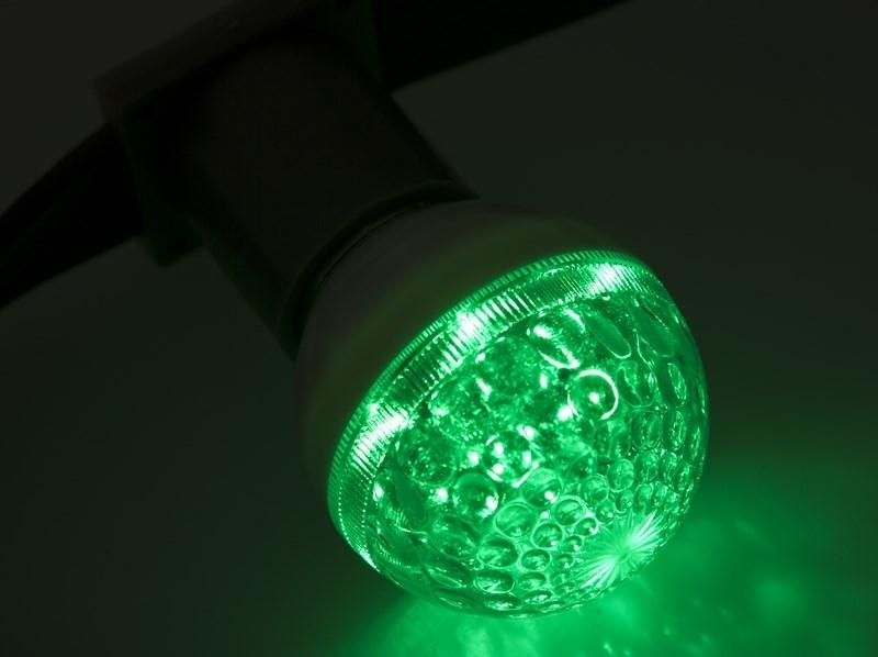 Лампа шар Neon-Night, светодиодная, 10 LED, цоколь Е27, цвет: зеленый, 24В, диаметр 50 мм405-614Декоративные светодиодные лампы используются с гирляндой Belt Light и служат для украшения улиц, фасадов зданий и интерьеров. Колба лампы имеет форму шара диаметром 50мм, что позволяет увеличить площадь свечения и насыщенность светом окружающего пространства. Она выполнена из ударопрочного поликарбоната. Декоративная лампа имеет стандартный цоколь Е27, при помощи которого установка является весьма простой процедурой не занимающей много времени. Суммарная мощность светодиодов составляет всего 1Вт, что позволяет снизить затраты на электроэнергию и подключить гирлянду большей длины. Светодиодные лампы используются с гирляндами Belt Light двух или пятижильными, а при ипользовании специального контроллера можно создать различные динамические световые эффекты.