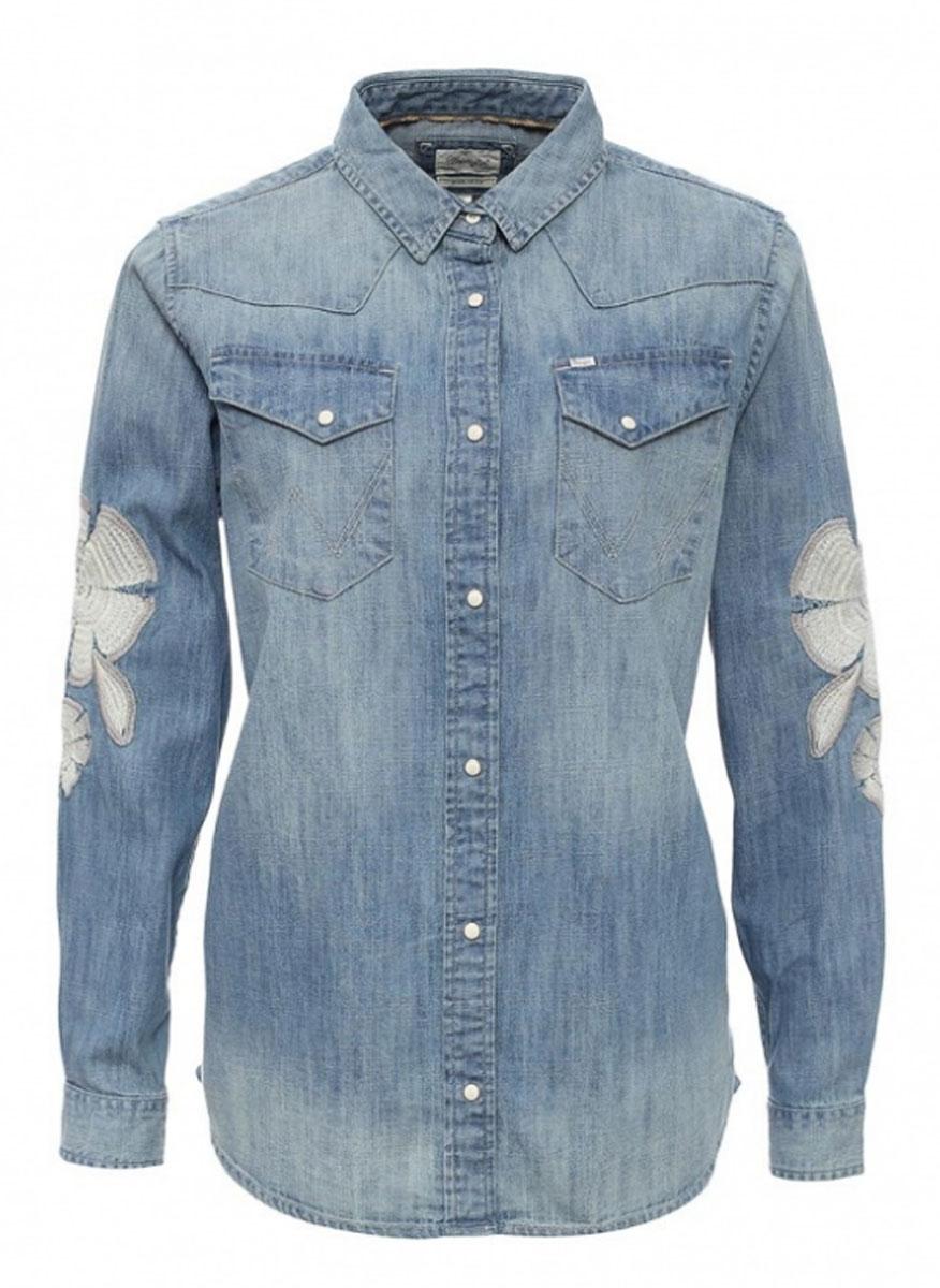 Рубашка женская Wrangler, цвет: синий. W51787P4E. Размер L (48)W51787P4EЖенская рубашка Wrangler выполнена из натурального хлопка. Рубашка с длинными рукавами и отложным воротником застегивается на кнопки спереди. Манжеты рукавов также застегиваются на кнопки. Рубашка оформлена вышивкой в виде цветов на рукавах. На груди расположены два накладных кармана.