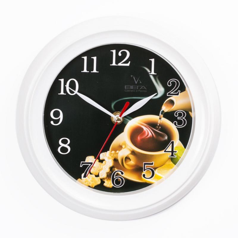 Часы настенные Вега Чашка чая, диаметр 22,5 смП6-7-24Настенные кварцевые часы Вега Чашка чая, изготовленные из пластика, прекрасно впишутся в интерьер вашего дома. Круглые часы имеют три стрелки: часовую,минутную и секундную, циферблат защищен прозрачным стеклом. Часы работают от 1 батарейки типа АА напряжением 1,5 В (не входит в комплект).