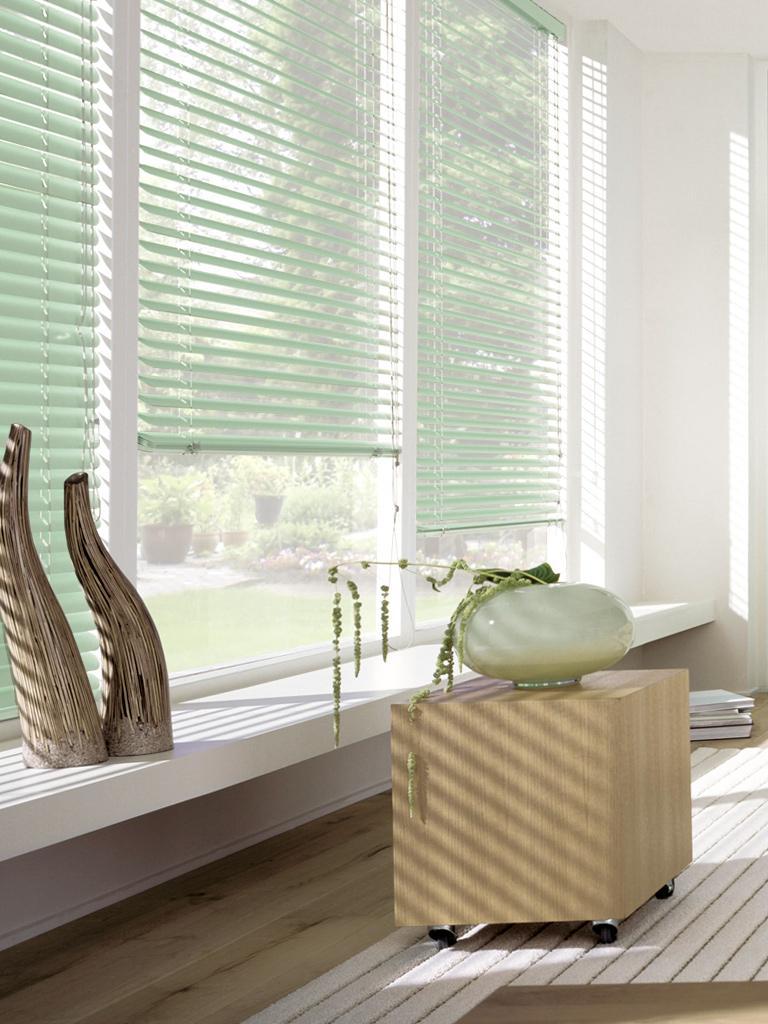 Жалюзи пластиковые Эскар, горизонтальные, цвет: салатовый, ширина 90 см, высота 160 см рулонные шторы эскар универсальное крепление без сверления для жалюзи и ролло на отрывающиеся окна