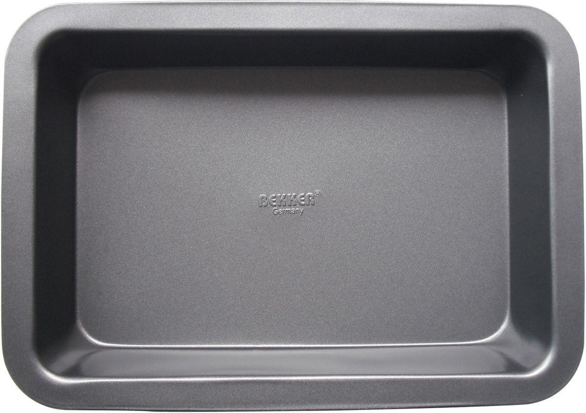 Противень Bekker. BK-3954BK-3954Противень Bekker прямоугольной формы изготовлен из высококачественной углеродистой стали с антипригарным покрытием Goldflon. Изделие имеет гладкую поверхность и стильный дизайн. Подходит для использования в духовом шкафу. Рекомендована ручная чистка.Размер: 34,5 х 24 х 5,7 см.