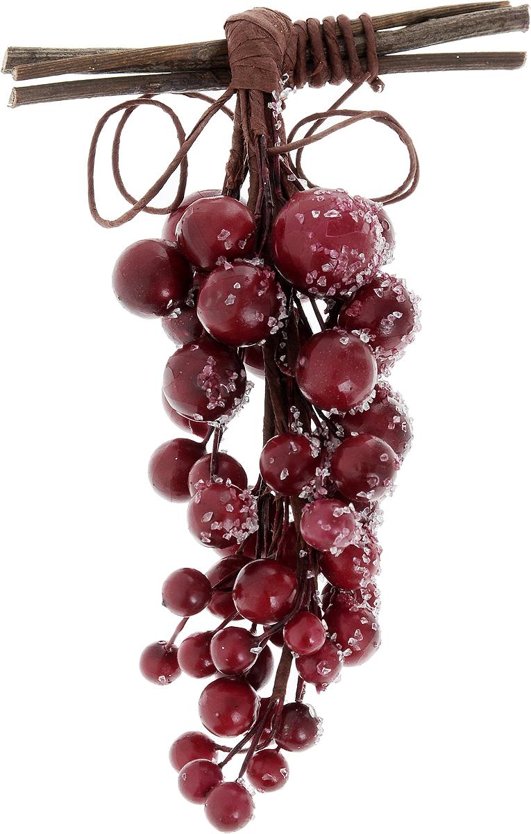 Украшение новогоднее подвесное Lovemark Гроздь ягод, высота 13 смTZ-71021-16Новогоднее подвесное украшение Lovemark Гроздь ягод выполнено из окрашенного пенопласта и дерева. Удачнее всего оно будет смотреться на праздничной елке.Елочная игрушка - символ Нового года. Она несет в себе волшебство и красоту праздника. Создайте в своем доме атмосферу веселья и радости, украшая новогоднюю елку нарядными игрушками, которые будут из года в год накапливать теплоту воспоминаний.Размер украшения: 8,5 х 4 х 13 см.