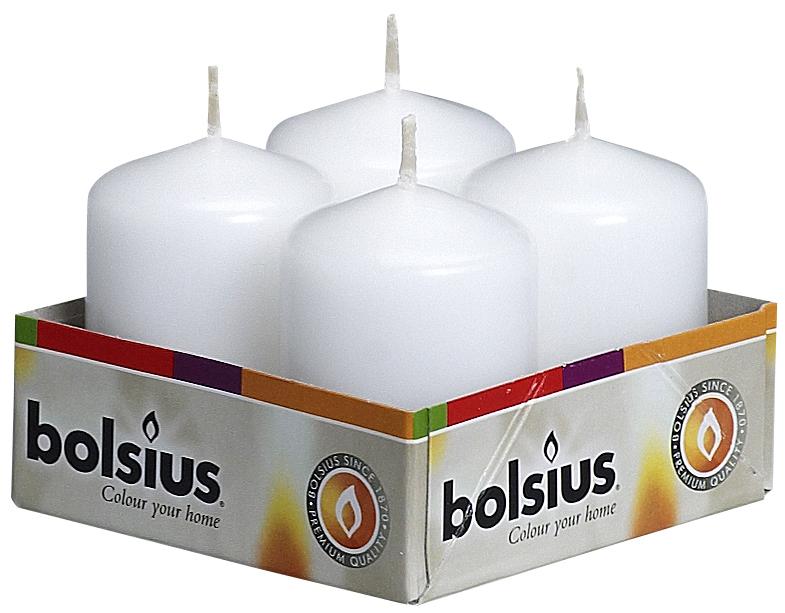 """Набор """"Bolsius"""" состоит из четырех декоративных свечей, изготовленных из парафина. Такие свечи создадут атмосферу таинственности и загадочности и наполнят ваш дом волшебством и ощущением праздника. Хороший сувенир для друзей и близких."""