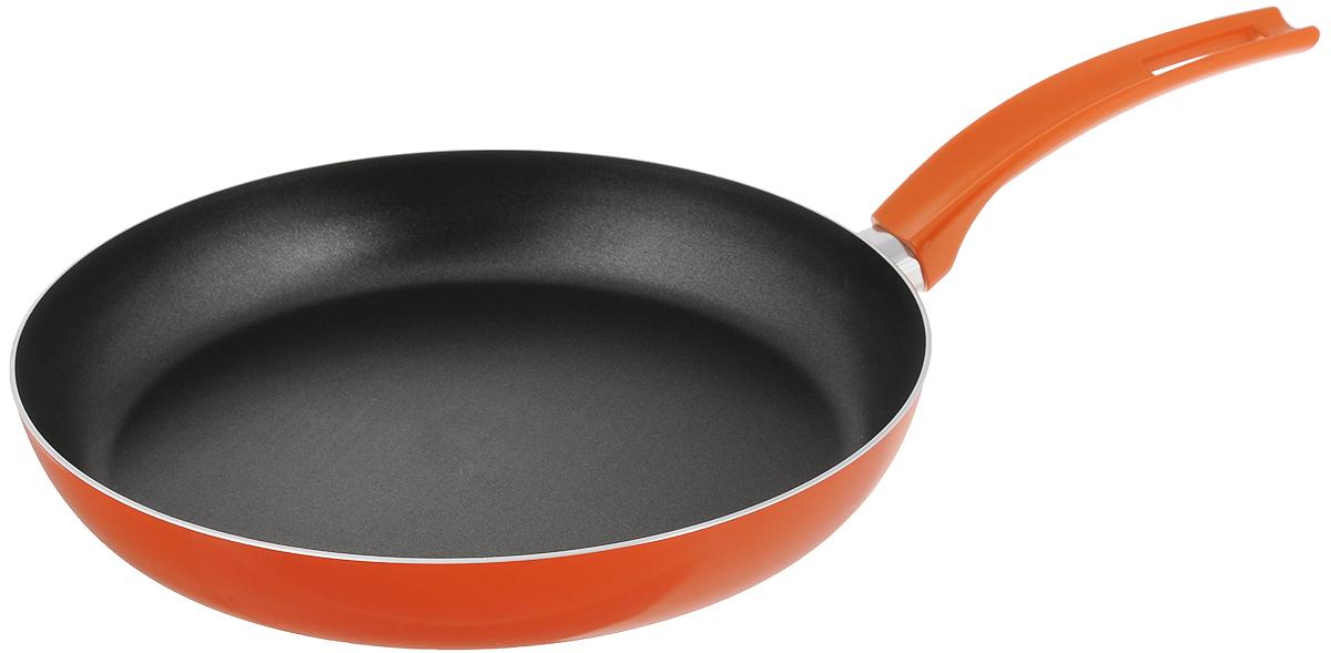 """Сковорода Scovo """"Citrus Orange"""" выполнена из алюминия и имеет антипригарное покрытие. Покрытие исключает прилипание и пригорание пищи к поверхности посуды, обеспечивает легкость мытья посуды, исключает необходимость использования большого количества масла, что способствует приготовлению здоровой пищи с пониженной калорийностью.  Для сохранения антипригарных свойств сковороды: - сковорода допускает применение деревянных и пластиковых аксессуаров - ложек, вилок, лопаток. Не используйте металлические аксессуары; - не допускайте сильного перегрева изделия без продуктов или воды - это может повредить антипригарное покрытие; - не допускайте приготовления или хранения в сковороде кислотных или щелочных растворов; - изделие не рекомендуется использовать в духовом шкафу. Сковорода оснащена пластиковой ручкой, благодаря чему она удобно уместится в руке и не выскользнет.Сковорода подходит для газовых, электрических и стеклокерамических плит. Также ее можно мыть в посудомоечной машине. Диаметр сковороды: 28 см. Высота стенки: 4,5 см."""