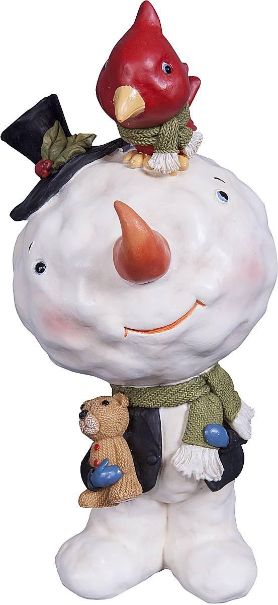 """Статуэтка Mister Christmas """"Снеговик"""" выполнена из полистоуна в виде забавного снеговика. Она привлекает к себе внимание и буквально умиляет, заставляя улыбнуться.  Такой сувенир станет отличным подарком родным или друзьям на Новый год, а также он украсит интерьер вашего дома или офиса.Высота статуэтки: 14,5 см."""