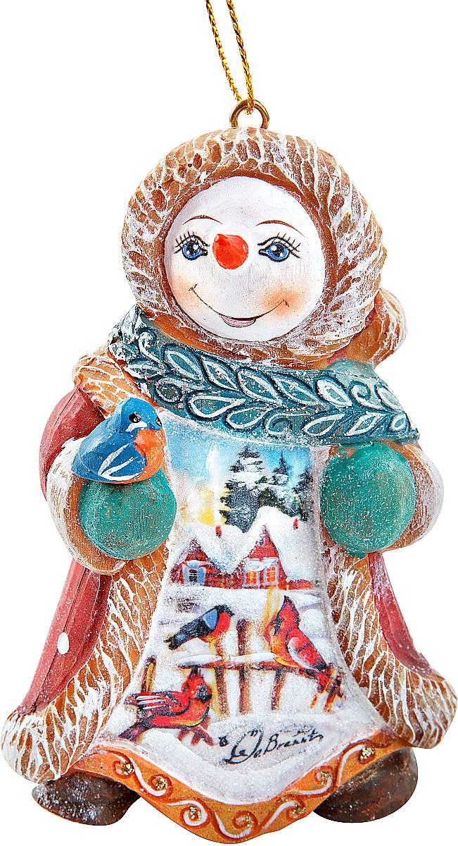 Фигурка новогодняя декоративная Mister Christmas Снеговик, коллекционная, высота 10 смUS 661312-S1Новогодняя декоративная фигурка Mister Christmas Снеговик полностью изготовлена вручную из полистоуна.Снеговик - один из главных персонажей Нового Года. Фигурка снеговика обязательно должна быть в каждом доме в этот праздник.На создание Снеговик мастеру требуется несколько дней и более двух тысяч взмахов кисти. Новогодняя коллекционная игрушка Mister Christmas Снеговик станет настоящей фамильной ценностью, которая будет передаваться из поколения в поколение. Все игрушки из этой коллекции выпускаются в ограниченном количестве. Каждому изделию присваивается индивидуальный номер. Поэтому этот Снеговик станет самым настоящим эксклюзивным новогодним подарком.