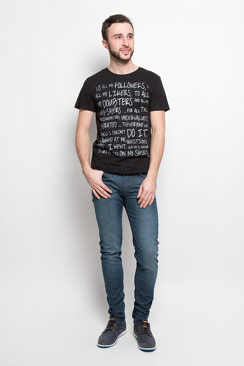 Футболка мужская Tom Tailor Denim, цвет: черный. 1036559.00.12_2999. Размер L (50)1036559.00.12_2999Стильная мужская футболка Tom Tailor Denim выполнена из натурального хлопка. Модель с круглым вырезом горловины и короткими рукавами. Рукава и низ изделия оформлены эффектом необработанного края.