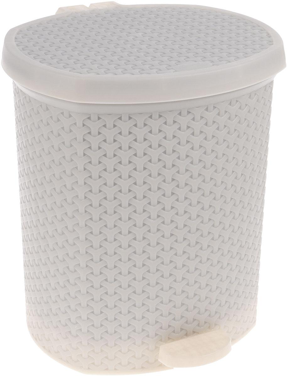 Контейнер для мусора Magnolia Home, с педалью, цвет: бежевый, 21 л3701Мусорный контейнер Magnolia Home очень удобен в использовании как дома, так и в офисе. Изделие, выполнено из прочного пластика и не боится ударов. Контейнер оснащен педалью, с помощью которой можно открыть крышку. Закрывается крышка практически бесшумно и плотно прилегает к корпусу, предотвращая распространение запаха. Внутри находится пластиковая емкость для мусора, которую при необходимости можно достать из контейнера. Интересный дизайн разнообразит интерьер кухни и сделает его более оригинальным.Высота контейнера: 39 см.