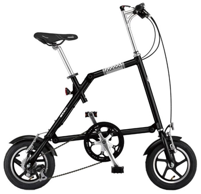 Велосипед складной Nanoo-127, 7 скоростей, цвет: черныйNANOO-127_15_blaНовый, удивительный, компактный, забавный, маневренный и шустрый велосипед - созданный для покорения безумной жизни мегаполиса совсем скоро может стать вашим! Благодаря последним разработкам, уникальной конструкции и продуманному итальянскому дизайну, вы можете добраться в любую точку города быстро, легко и стильно! Тысячи европейцев уже оценили эту потрясающую новинку. Теперь и у вас есть такая возможность! Рама: алюминиевая, колеса диаметра 12Руль: алюминиевый, складной регулируемыйСедло: анатомическое муж/женТрансмиссия: 7-скоростная SHIMANOТормоза: v-brakeПедали: складныеПодножка: алюминиевая на пружинеВес: 12 кг