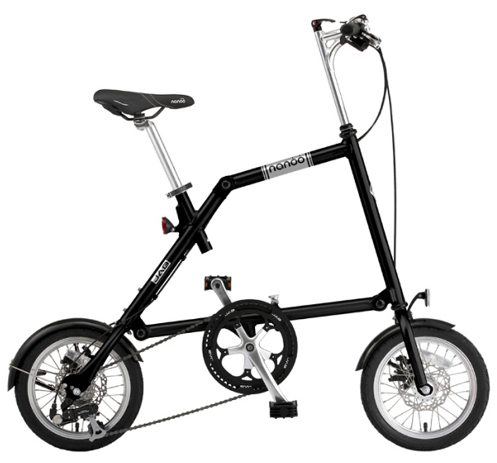 Велосипед складной Nanoo-148, 8 скоростей, цвет: черныйNANOO-148_15_blaНовый, удивительный, компактный, забавный, маневренный и шустрый велосипед - созданный для покорения безумной жизни мегаполиса совсем скоро может стать вашим! Благодаря последним разработкам, уникальной конструкции и продуманному итальянскому дизайну, вы можете добраться в любую точку города быстро, легко и стильно! Тысячи европейцев уже оценили эту потрясающую новинку. Теперь и у вас есть такая возможность! Рама: алюминиевая, колеса диаметра 14Руль: алюминиевый, складной регулируемыйСедло: анатомическое муж/женТрансмиссия: 8-скоростная Тормоза: дисковые механическиеПедали: складныеПодножка: алюминиевая на пружинеВес: 12,5 кг