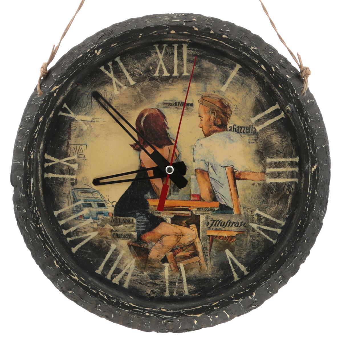 """Часы """"Романтика"""". Авторская работа. Гипс, акрил. Техника: декупаж. Диаметр 25 см.  Часы работают на батарейке формата АА, 1 шт. (не входит в комплект).   Часы """"Романтика""""- эта уникальная авторская вещь хранит творческую энергию создателя, и,   получив ее в домашнюю коллекцию, Вы ощутите не только гордость обладателя раритета, но и   чувство сопричастности тому мгновению, в которое родилось произведение и наглядно   убедитесь, что миг неповторим!    Уважаемые клиенты! Изделие, выполненное под заказ, может незначительно отличаться от фотографии, общий вид остается."""