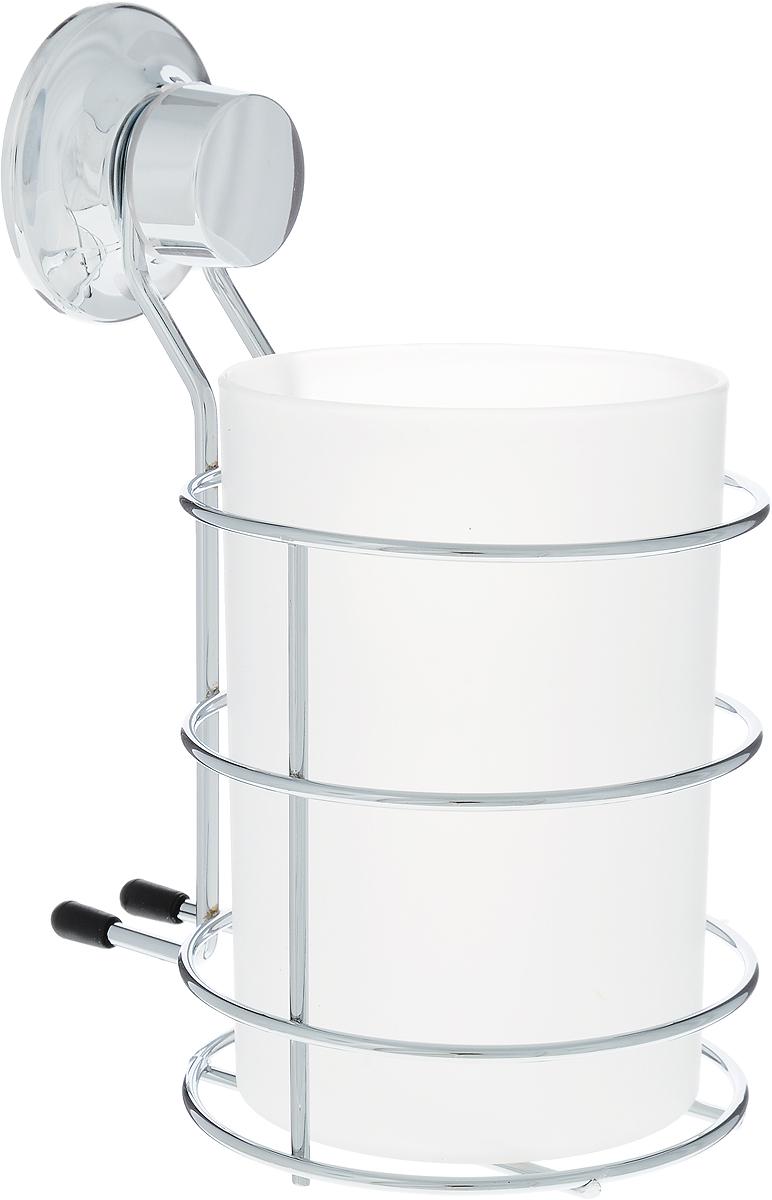 """Стакан Tatkraft """"Swiss Line"""" для ванной комнаты выполнен из хромированной стали и крепится с помощью вакуумной присоски, изготовленной из каучука, мгновенно одним нажатием. Материал присоски прочный, эластичный, устойчивый к деформации, имеет длительный срок службы. Присоска помещена в пластиковую чашку особой конфигурации (лепестковой), что позволяет создать больший вакуум при фиксации, то есть более мощный эффект. В случае необходимости изделие можно быстро перевесить. Никаких дырок и следов на поверхности не остается. Легко устанавливается на плитку, стекло, металл и прочие воздухонепроницаемые поверхности. Характеристики:  Материал: хромированная сталь, пластик. Размер изделия:  10,5 см х 12 см х 15,5 см. Диаметр присоски: 5,5 см. Размер упаковки: 16,5 см х 12,5 см х 11 см."""