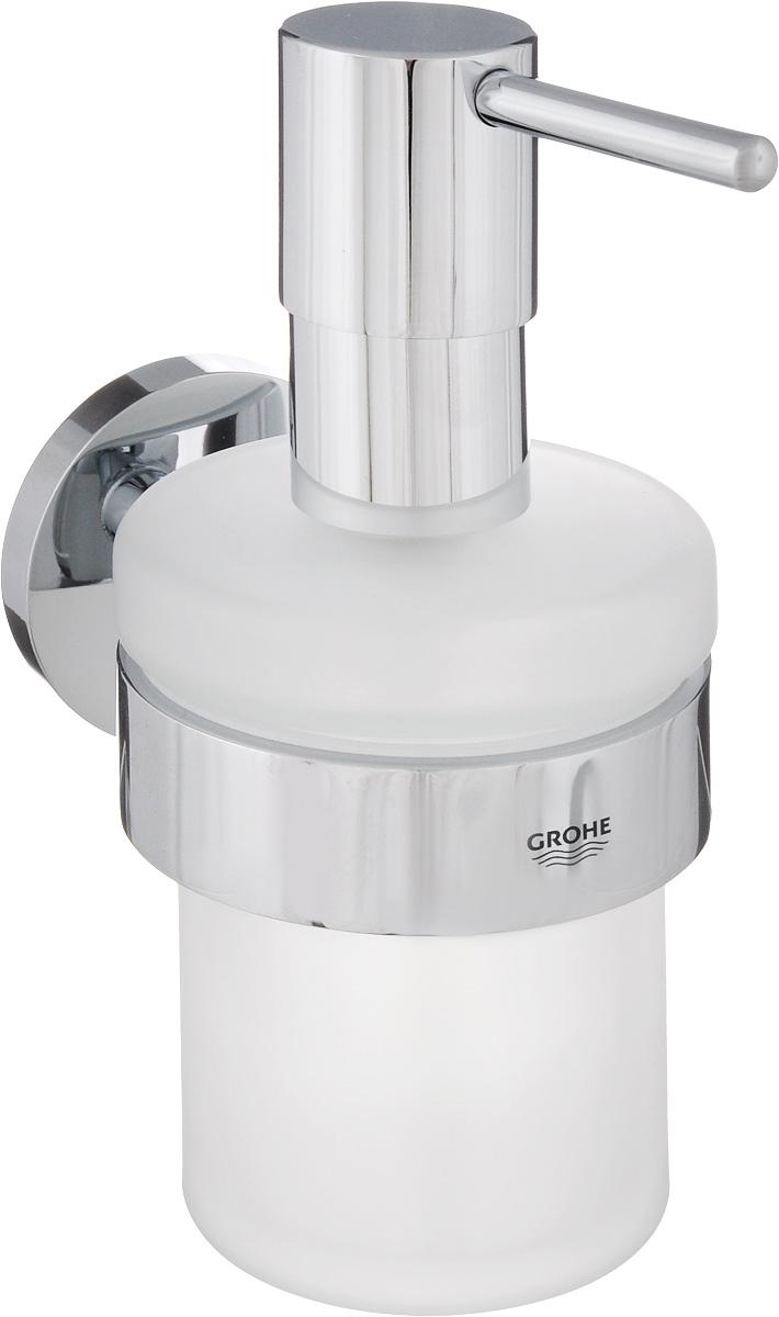 Диспенсер для жидкого мыла Grohe Essentials, с держателем, 200 мл40448001Диспенсер для жидкого мыла Grohe Essentials изготовлен из высококачественного матового стекла. Дозатор выполнен из прочного металла с хромированным покрытием StarLight. Изделие оснащено металлическим держателем, который крепится на стену при помощи саморезов (входят в комплект).Диспенсер очень удобен в использовании, достаточно лишь перелить жидкое мыло в емкость, а когда необходимо использование мыла, легким нажатием выдавить нужное количество.Диспенсер для жидкого мыла Grohe Essentials стильно украсит интерьер, а также добавит в обычную обстановку модный акцент.Размер держателя: 10,5 х 75 х 5,2 см. Размер диспенсера: 7 х 7 х 15,2 см.