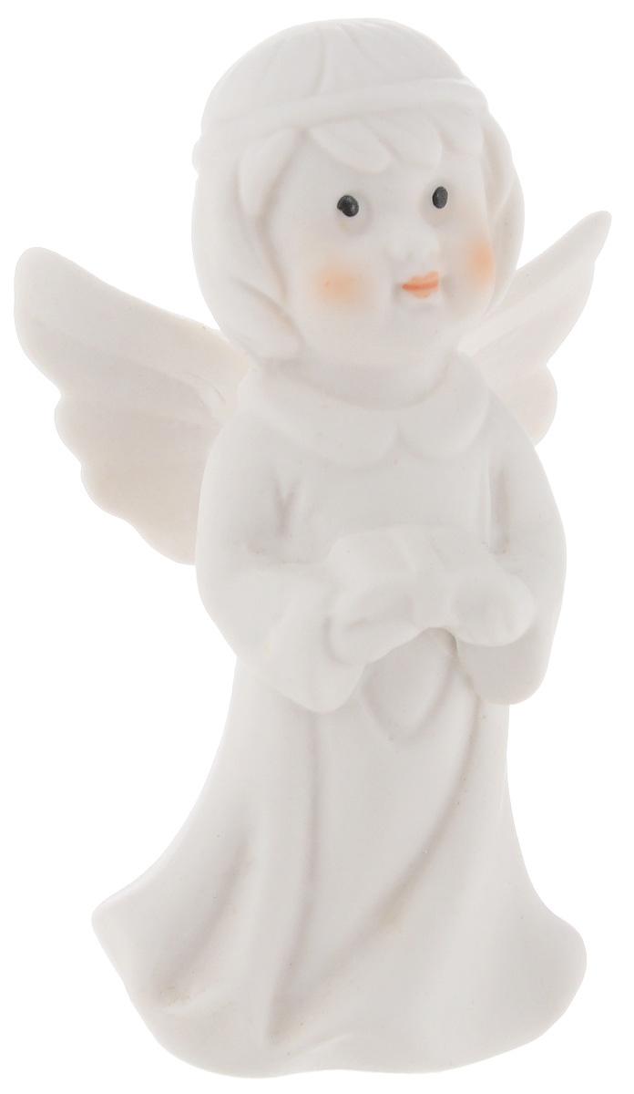 """Очаровательная фигурка Lillo """"Ангел"""" станет оригинальным подарком для всех любителей милых вещиц. Изделие выполнено из керамики в виде ангелочка.Вы можете поставить эту фигурку в любом месте, где она будет удачно смотреться и радовать глаз."""