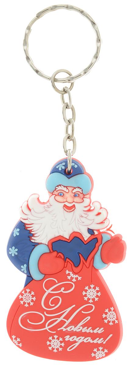 Брелок новогодний Lillo Дед Мороз с мешкомБРБрелок Lillo Дед Мороз с мешком станет прекрасным новогодним сувениром и обязательно порадует получателя. Декоративная часть выполнена из ПВХ. Брелок снабжен металлическим кольцом для ключей. Брелок Lillo Дед Мороз с мешком - сувенир в полном смысле этого слова. В переводе с французского souvenir означает воспоминание. И главная задача любого сувенира - хранить воспоминание о месте, где вы побывали, или о том человеке, который подарил данный предмет. Размер брелока (без учета кольца): 3,8 х 0,5 х 6,4 см.Высота брелока (с учетом кольца): 11,4 см.