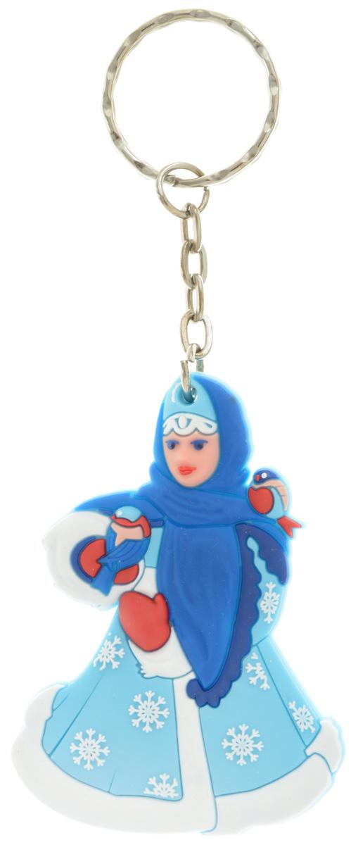 Брелок новогодний Lillo СнегурочкаБРБрелок Lillo Снегурочка станет прекрасным новогодним сувениром и обязательно порадует получателя. Декоративная часть выполнена из ПВХ. Брелок снабжен металлическим кольцом для ключей. Брелок Lillo Снегурочка - сувенир в полном смысле этого слова. В переводе с французского souvenir означает воспоминание. И главная задача любого сувенира - хранить воспоминание о месте, где вы побывали, или о том человеке, который подарил данный предмет. Размер брелока (без учета кольца): 4,7 х 0,5 х 6,5 см.Высота брелока (с учетом кольца): 11,5 см.