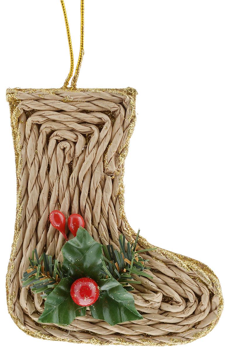 Украшение новогоднее подвесное House & Holder Башмак, 10 х 11 смN3-38/45A_башмакУкрашение новогоднее подвесное House & Holder Башмак прекрасно подойдет для праздничного декора новогодней ели. Изделие выполнено из плотного картона и плетеной бумаги в форме башмачка, покрыто блестками и украшено аппликацией в виде листочков с ягодкой. Для удобного размещения на елке предусмотрена текстильная петелька. Елочная игрушка - символ Нового года. Она несет в себе волшебство и красоту праздника. Создайте в своем доме атмосферу веселья и радости, украшая новогоднюю елку нарядными игрушками, которые будут из года в год накапливать теплоту воспоминаний.