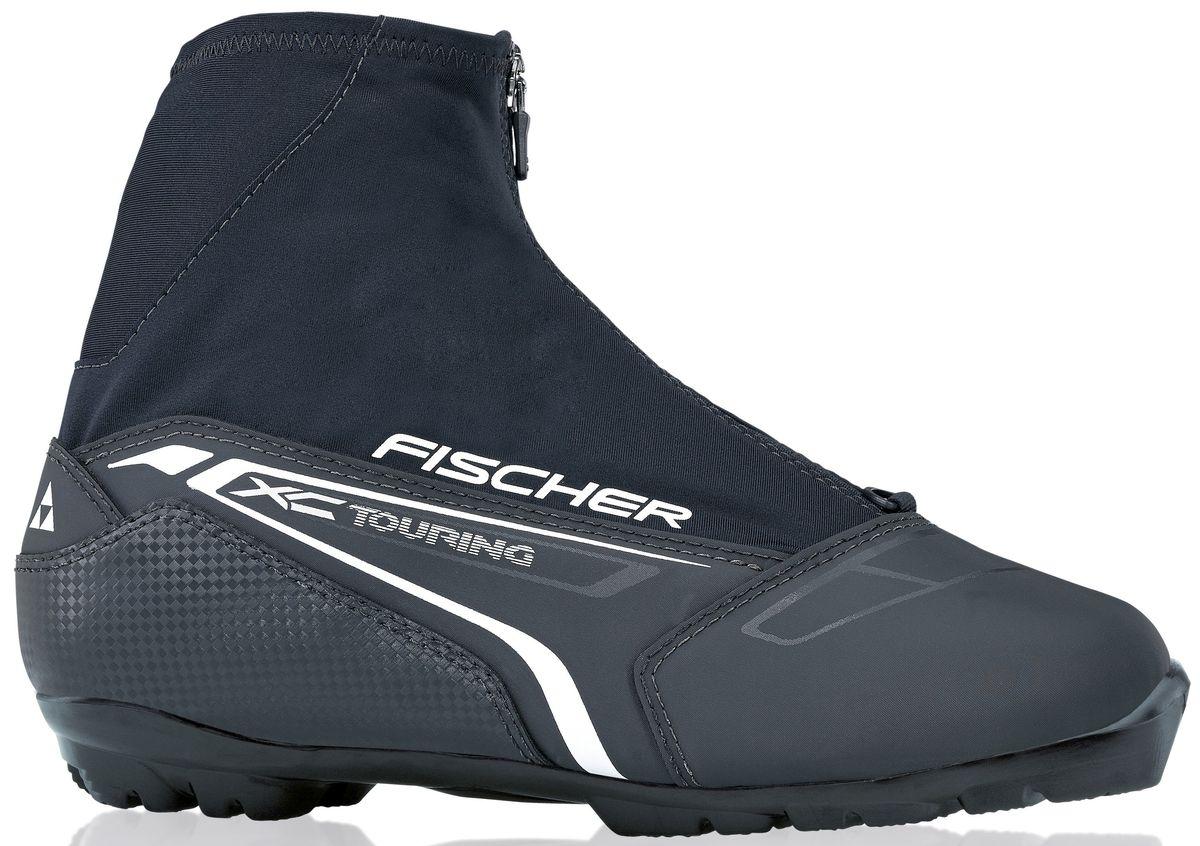 Ботинки лыжные мужские Fischer XC Touring Black, цвет: черный. S21215. Размер 44S46315Ботинки лыжные мужские Fischer XC Touring Black - это отличный вариант для лыжных прогулок. Клапан на молнии и водоотталкивающий утеплитель Comfort Guard отлично защищают ноги от холода и влаги. ТЕХНОЛОГИИ:NTERNAL MOLDED HEEL CAP Внутренняя пластиковая вставка анатомической формы в пяточной части очень легкая и термоформируемая. GAITER RING Кольцо-крепление, подходящие для всех популярных моделей гамашей, предназначено для дополнительной защиты от снега и влаги. LACE COVER Дополнительная защита шнуровки предотвращает проникновение влаги и холода. CLEANSPORT NXT Специальная пропитка подкладки и стелек ботинок. Система из полезных микробов, которые устраняют неприятный запах. COMFORT GUARD Очень легкий, водоотталкивающий изоляционный материал дополнительно защищает от холода мысок и переднюю часть стопы. T3 Полиуретановая подошва с хорошей гибкостью, устойчивая к износу при ходьбе.SPORT FIT CONCEPT Для каждой целевой группы разработан свой тип колодки, который обеспечивает наилучший комфорт при катании и максимальную передачу энергии.