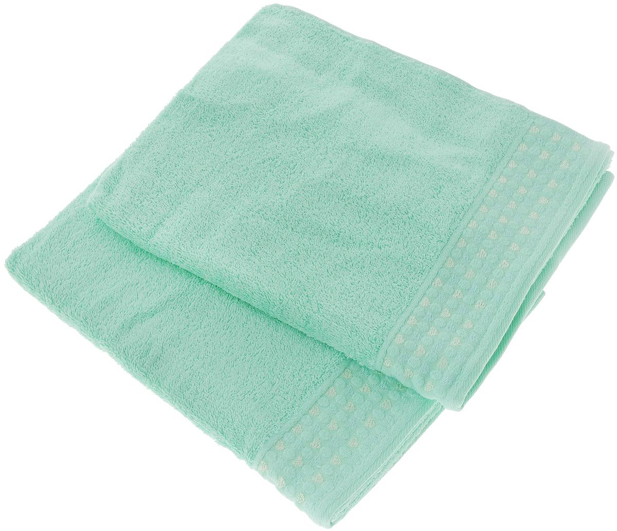 Набор полотенец Tete-a-Tete Сердечки, цвет: мятный, 50 х 90 см, 2 штУП-007-02-2Набор Tete-a-Tete Сердечки состоит из двух махровых полотенец, выполненных из натурального 100% хлопка. Бордюр полотенец декорирован сердечками и горошком. Изделия мягкие, отлично впитывают влагу, быстро сохнут, сохраняют яркость цвета и не теряют формы даже после многократных стирок. Полотенца Tete-a-Tete Сердечки очень практичны и неприхотливы в уходе. Они легко впишутся в любой интерьер благодаря своей нежной цветовой гамме.Комплектация: 2 шт.