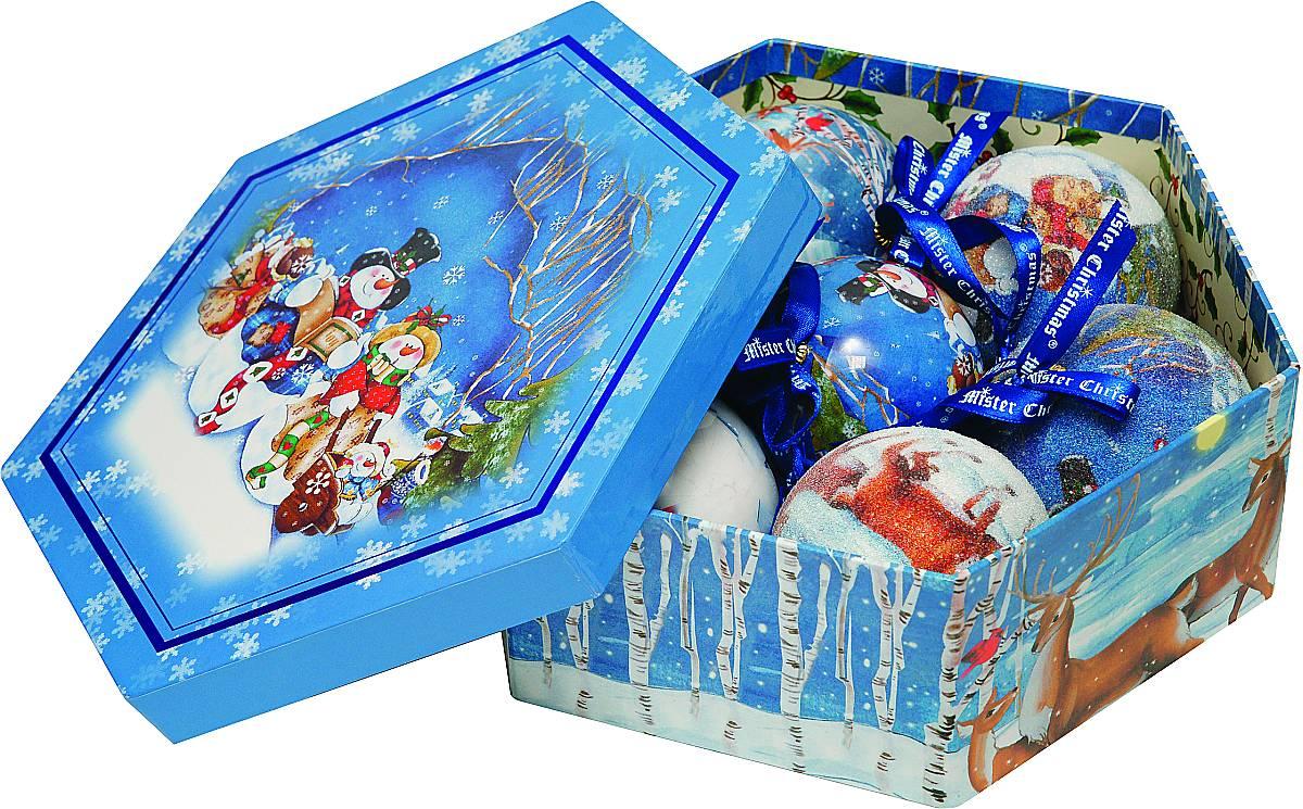 Набор новогодних подвесных украшений Mister Christmas Папье-маше, диаметр 7,5 см, 7 шт. PM-2-7PM-2-7Набор из 7 подвесных украшений Mister Christmas Папье-маше прекрасно подойдет для праздничного декора новогодней ели. Изделия, выполненные из бумаги и покрытые несколькими слоями лака, очень прочные и легкие. Такие шары создадут единый стиль в оформлении не только ели, но и интерьера вашего дома. В наборе игрушки имеют глянцевую поверхность и покрытые мелкой пластиковой крошкой.Все изделия оснащены атласной ленточкой с логотипом бренда Mister Christmas для подвешивания. Такие украшения станут превосходным подарком к Новому году, а так же дополнят коллекцию оригинальных новогодних елочных игрушек.