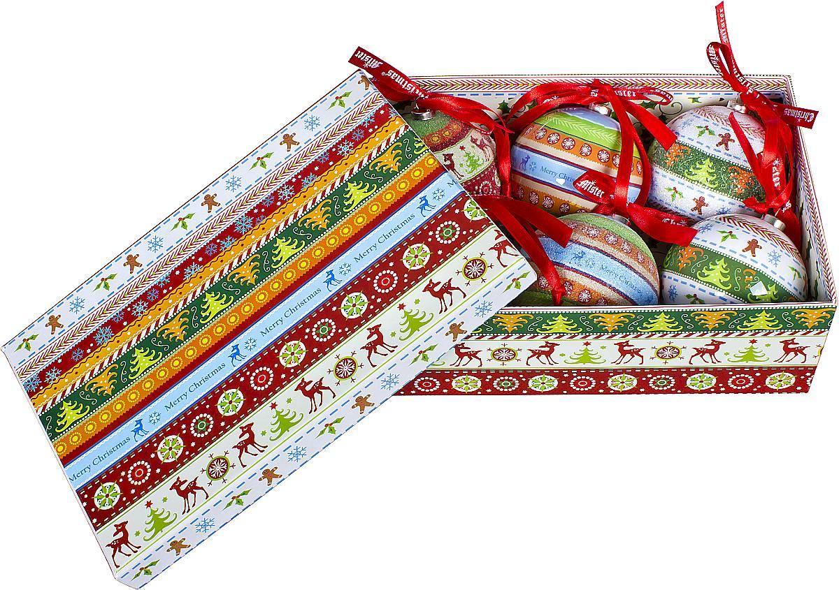 Набор новогодних подвесных украшений Mister Christmas Папье-маше, диаметр 7,5 см, 6 шт. PM-42-6PM-42-6Набор Mister Christmas Папье-маше состоит из 6 подвесных украшений ручной работы, которые изготовлены в технике папье-маше из бумаги и покрыты несколькими слоями лака. Такие шары очень легкие, но в то же время удивительно прочные. На создание одной такой игрушки уходит несколько дней. И в результате получается настоящее произведение искусства! В изящный набор входят 3 украшения с лакированной поверхностью и 3 украшения с покрытием из мельчайшей пластиковой крошки. Все изделия оснащены атласной ленточкой с логотипом бренда Mister Christmas для подвешивания. Такие украшения станут превосходным подарком к Новому году, а так же дополнят коллекцию оригинальных новогодних елочных игрушек.