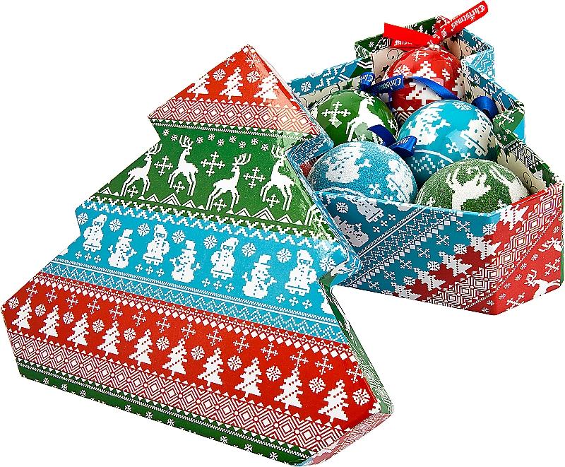Набор новогодних подвесных украшений Mister Christmas Папье-маше, диаметр 7,5 см, 6 шт. PM-43-6TPM-43-6TНабор Mister Christmas Папье-маше состоит из 6 подвесных украшений ручной работы, которые изготовлены из бумаги и покрыты несколькими слоями лака. Такие шары очень легкие, но в то же время удивительно прочные. На создание одной такой игрушки уходит несколько дней. И в результате получается настоящее произведение искусства! В изящный набор входят 3 украшения с лакированной поверхностью и 3 украшения с покрытием из мельчайшей пластиковой крошки. Все изделия оснащены атласной ленточкой с логотипом бренда Mister Christmas для подвешивания. Такие украшения станут превосходным подарком к Новому году, а так же дополнят коллекцию оригинальных новогодних елочных игрушек.