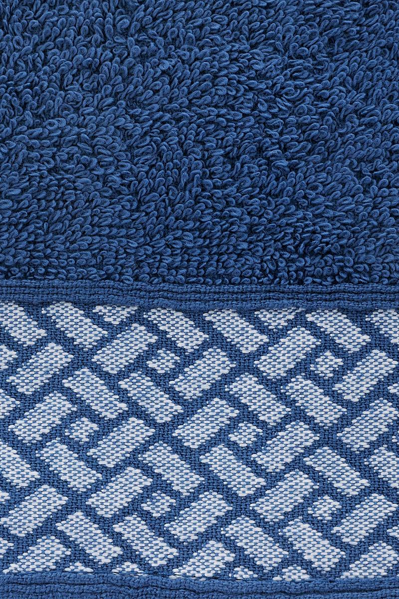 """Полотенце Aisha Home Textile """"Лабиринт"""" выполнено из 100% хлопка. Изделие отлично впитывает влагу, быстро сохнет, сохраняет яркость цвета и не теряет форму даже после многократных стирок.  Такое полотенце очень практично и неприхотливо в уходе. Оно создаст прекрасное настроение и украсит интерьер в ванной комнате."""