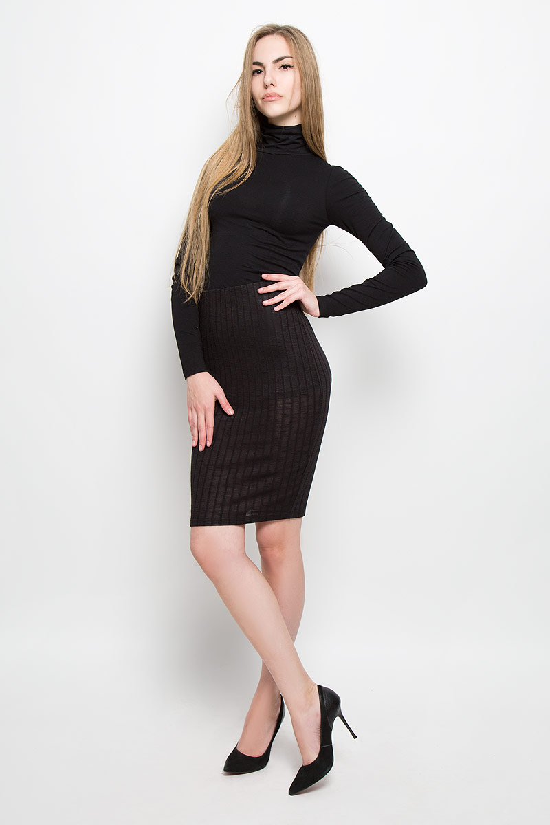 Юбка Broadway Sevi, цвет: черный. 10156901_999. Размер M (46)10156901_999Стильная юбка Broadway Sevi выполнена из вискозы с добавлением полиэстера и эластана. Обтягивающая юбка средней длины имеет эластичный пояс на талии. Задняя часть модели оформлена вырезом.