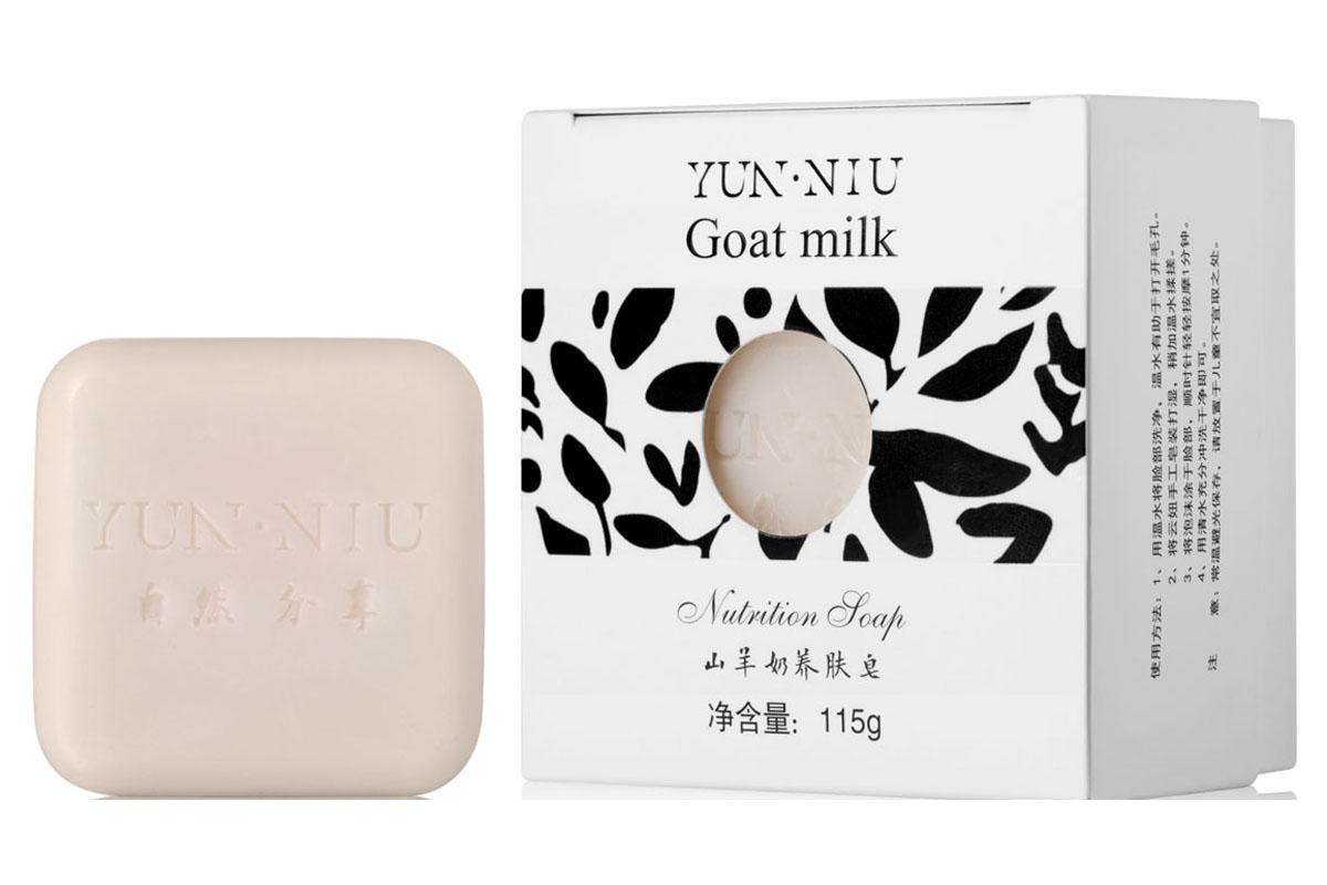 Yun-Niu Натуральное мыло с экстрактом козьего молока, 115 гр220667Ежедневный уход за сухой кожей. Экстракт козьего молока, входящий в состав мыла уникальным образом воздействует на кожу тела и лица. Мыло с экстрактом козьего молока YUN-NIU (юн-ню, юнню) предназначено для ежедневного ухода за сухой кожей. Мыло великолепно увлажняет кожу как лица, так и всего тела. Кожа становится мягкой и шелковистой. Уникальность этого мыла заключена в использовании экстракта козьего молока, которое известно повышенным содержанием благоприятных жирных кислот.
