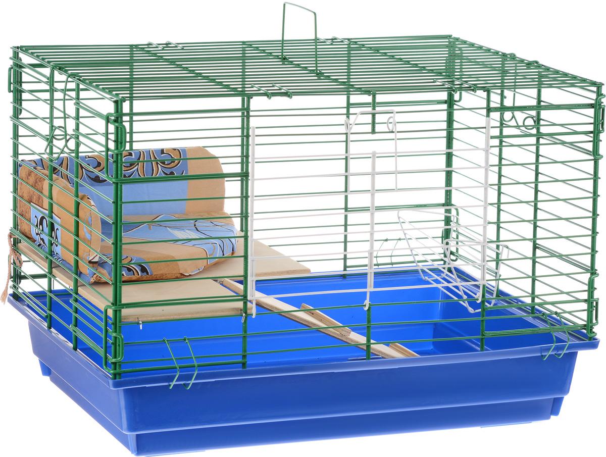 Клетка для кролика ЗооМарк, 2-этажная, цвет: синий поддон, зеленая решетка, 59 х 40 х 41 см650СЗКлетка ЗооМарк, выполненная из полипропилена и металла, подходит для кроликов. Изделие двухэтажное, оборудовано кормушкой и небольшим угловым диванчиком. Клетка имеет яркий поддон, удобна в использовании и легко чистится. Сверху имеется ручка для переноски. Такая клетка станет уединенным личным пространством и уютным домиком для грызуна.