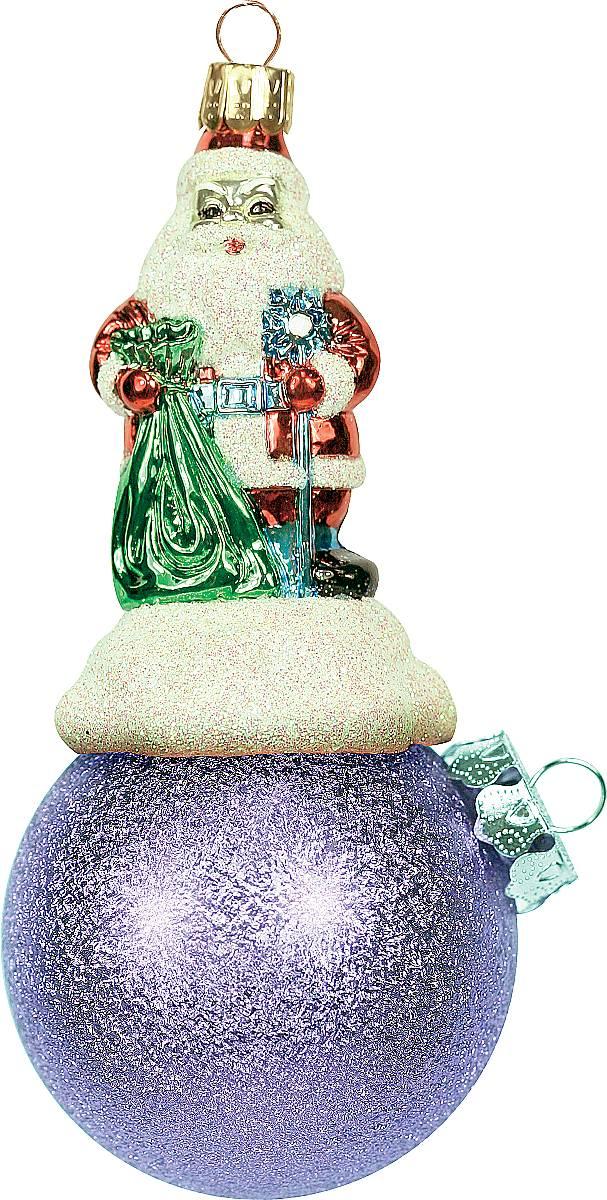 Украшение новогоднее подвесное Mister Christmas Дед Мороз на шаре, цвет: розовый, длина 11 см. BD 60-306BD 60-306Подвесное украшение Mister Christmas Дед Мороз на шаре представляет собой весьма оригинальную елочную игрушку 2 в 1. Это и классический елочный шар, и миниатюрная фигурка Деда Мороза. Изделие выполнено из качественного пластика и отличается прочностью и безопасностью. Матовые краски, блестки, крепления - все эти элементы декора долгие годы будут поддерживать идеальное состояние елочной игрушки. Украшение Mister Christmas Дед Мороз на шаре - это не просто классическая елочная игрушка. Оно может стать элементом праздничного декора, если установить на специальной подставке. В любом случае такая игрушка будет привлекать внимание и создавать праздничную атмосферу в доме или офисе.