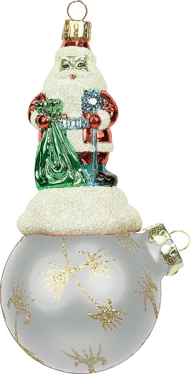 Украшение новогоднее подвесное Mister Christmas Дед Мороз на шаре, цвет: серый, золотистый, длина 15 см. BD 80-625BD 80-625/204Подвесное украшение Mister Christmas Дед Мороз нашаре представляет собой весьма оригинальнуюелочную игрушку 2 в 1. Это и классический елочный шар,и миниатюрная фигурка Деда Мороза. Изделиевыполнено из качественного пластика и отличаетсяпрочностью и безопасностью.Украшение Mister Christmas Дед Мороз на шаре - это непросто классическая елочная игрушка. Оно может статьэлементом праздничного декора, если установить наспециальной подставке. В любом случае такая игрушкабудет привлекать внимание и создавать праздничнуюатмосферу в доме или офисе.