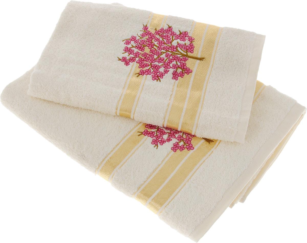 Набор полотенец Tete-a-Tete Сиреневое дерево, 2 шт. УНП-102УНП-102-02Набор Tete-a-Tete Сиреневое дерево состоит из двух махровых полотенец, выполненных из натурального 100% хлопка. Линейка Сиреневое дерево декорирована вышивкой веточки сакуры. Изделия мягкие, отлично впитывают влагу, быстро сохнут, сохраняют яркость цвета и не теряют форму даже после многократных стирок. Полотенца Tete-a-Tete Сиреневое дерево очень практичны и неприхотливы в уходе. Они легко впишутся в любой интерьер благодаря своей нежной цветовой гамме.