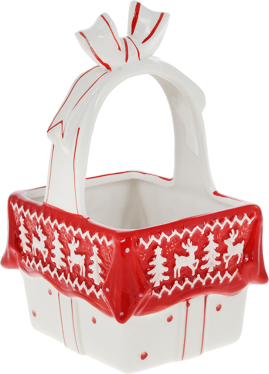 Конфетница Family & Friends Рождественский узорNH15B520-2..Конфетница Family & Friends Рождественский узор изготовлена из качественной глазурованной керамики. Изделие выполнено в виде корзинки и декорировано рельефным орнаментом в виде оленей и елочек. В такой корзинке удобно хранить конфеты, печенье, леденцы, а также бытовые мелочи. Такая конфетница красиво дополнит сервировку стола к чаепитию и станет полезным приобретением для любой хозяйки. Отличный подарок к любому случаю. Не рекомендуется использовать в микроволновой печи и мыть в посудомоечной машине.