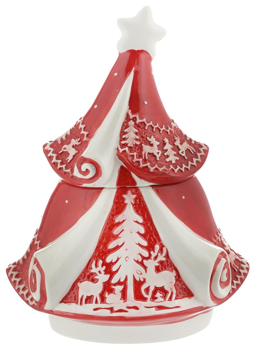 Конфетница Family & Friends Рождественский узор. Елка, с крышкой, 16 х 25 х 14,5 смNH15B503-1..Конфетница Family & Friends Рождественский узор. Елка изготовлена из качественной глазурованной керамики. Изделие по форме напоминает елку и декорировано рельефным орнаментом в виде оленей и елочек. Конфетница оснащена крышкой. В такой конфетнице удобно хранить конфеты, печенье, леденцы, а также бытовые мелочи. Такая конфетница красиво дополнит сервировку стола к чаепитию и станет полезным приобретением для любой хозяйки. Отличный подарок к любому случаю. Размер конфетницы (по верхнему краю): 10 х 12 см.Высота конфетницы (с учетом крышки): 29,5 см. Не рекомендуется использовать в микроволновой печи и мыть в посудомоечной машине.