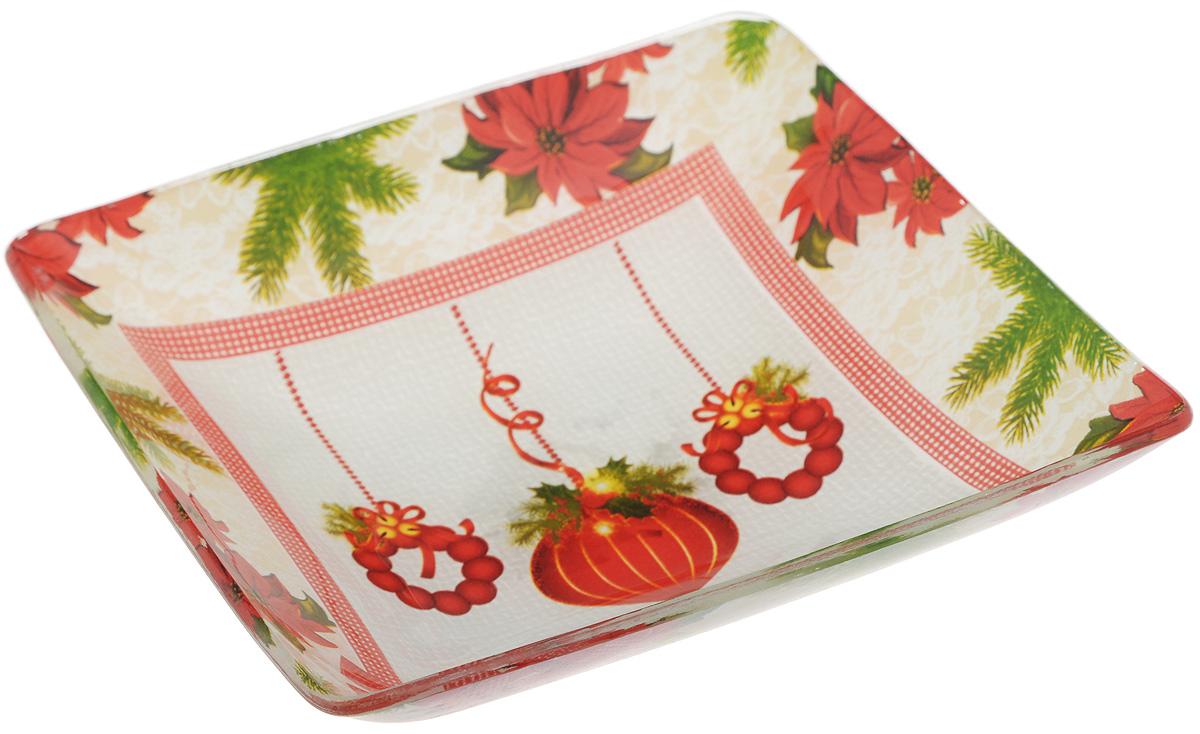 Салатник Family & Friends, 15 х 15 см216164..Салатник Family & Friends изготовлен из качественного стекла и оформлен новогодним рисунком. Такой салатник идеально подойдет для сервировки соусов, ягод, варенья, меда, различных закусок. Изделие красиво дополнит сервировку стола и станет полезным приобретением для любой хозяйки. Не рекомендуется использовать в микроволновой печи и мыть в посудомоечной машине.