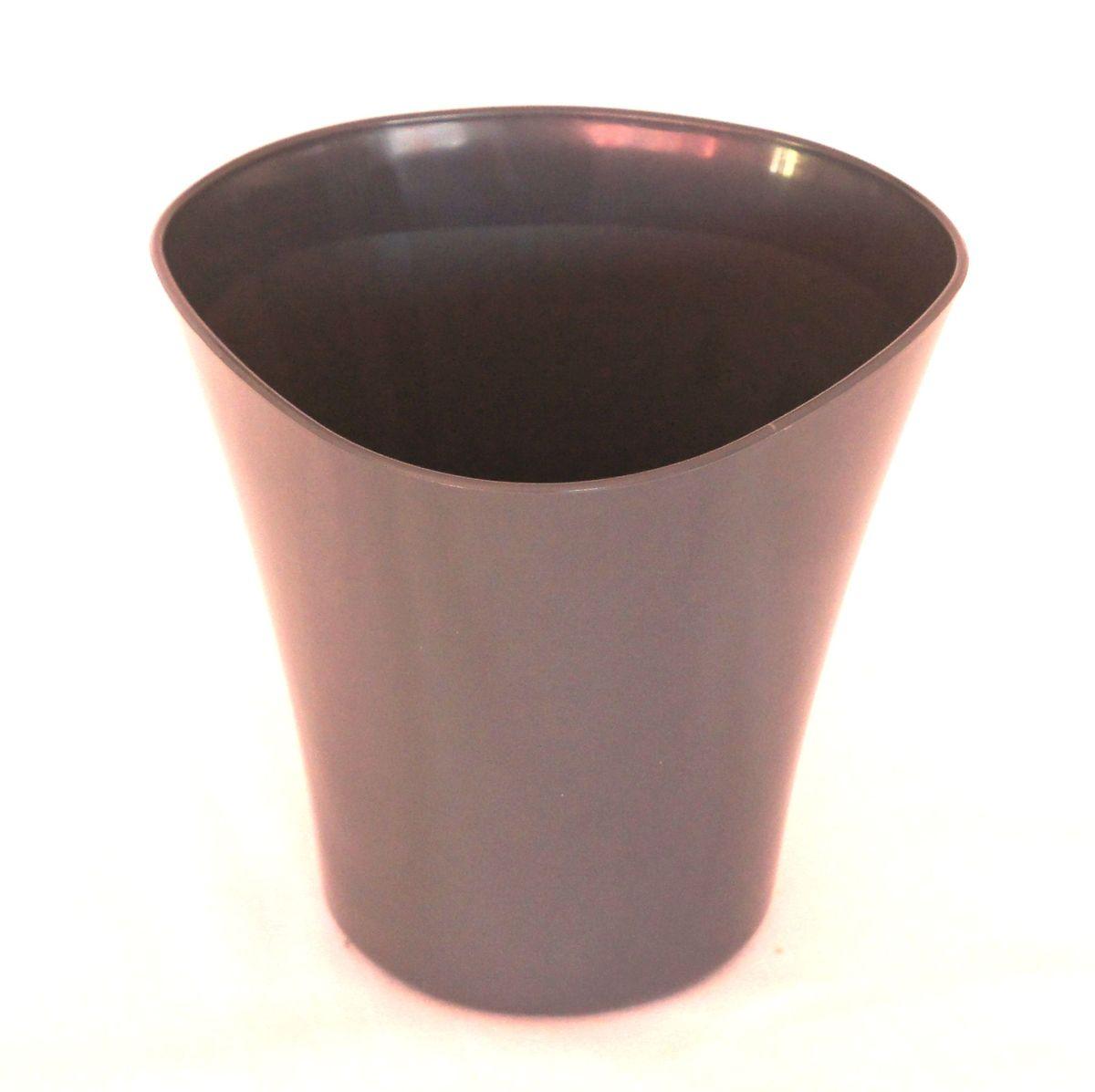 Кашпо JetPlast Волна, цвет: антрацит, 1,5 л4612754051274Кашпо Волна имеет уникальную форму, сочетающуюся как с классическим, так и с современным дизайном интерьера. Оно изготовлено из прочного полипропилена (пластика) и предназначено для выращивания растений, цветов и трав в домашних условиях. Такое кашпо порадует вас функциональностью, а благодаря лаконичному дизайну впишется в любой интерьер помещения. Объем кашпо: 1,5 л.