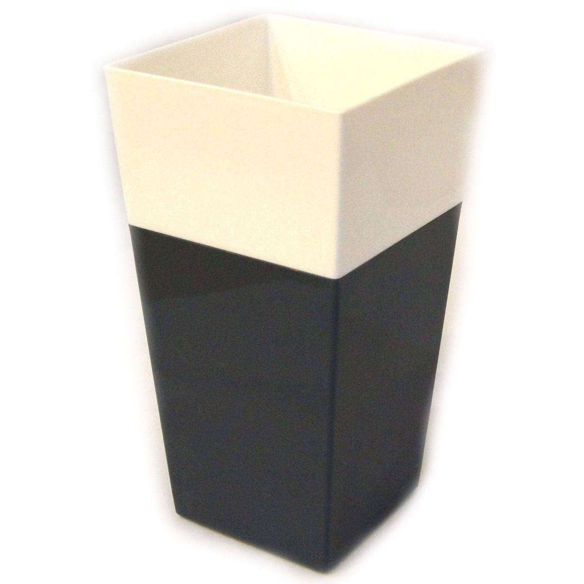 Кашпо JetPlast Дуэт, цвет: антрацит, белый, высота 34 см4612754052608Кашпо имеет строгий дизайн и состоит из двух частей: верхней части для цветка и нижней – поддона. Конструкция горшка позволяет, при желании, использовать систему фитильного полива, снабдив горшок веревкой. Оно изготовлено из прочного полипропилена (пластика).Размеры кашпо: 18 x 18 x 34 см.