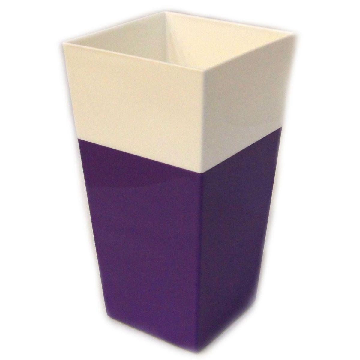 Кашпо JetPlast Дуэт, цвет: фиолетовый, белый, высота 34 см4612754052653Кашпо имеет строгий дизайн и состоит из двух частей: верхней части для цветка и нижней – поддона. Конструкция горшка позволяет, при желании, использовать систему фитильного полива, снабдив горшок веревкой. Оно изготовлено из прочного полипропилена (пластика).Размеры кашпо: 18 х 18 х 34 см.